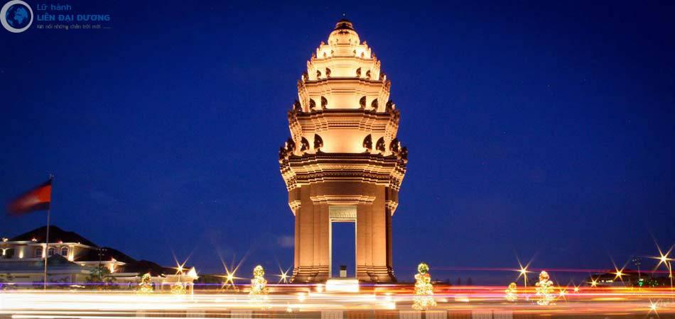 tuong-dai-doc-lap-Phnom-Penh-hinh-anh-1
