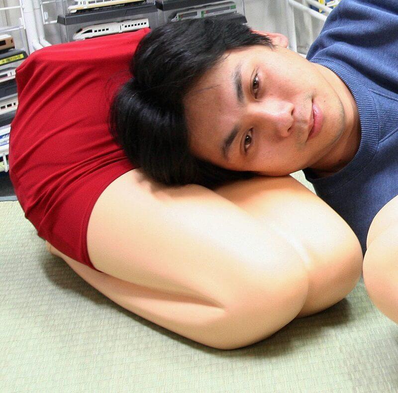 Gối ngủ dành cho đàn ông cô đơn khá thú vị ở Nhật