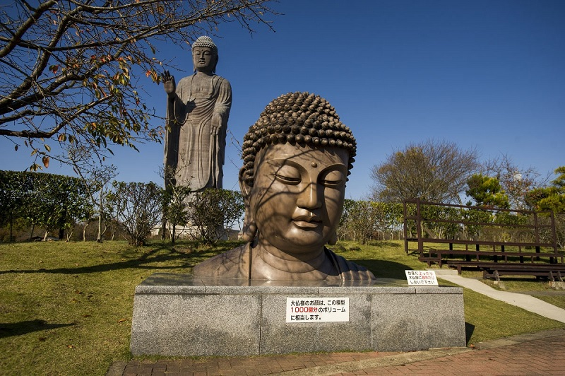 Tượng Phật Ushiku Daibutsu