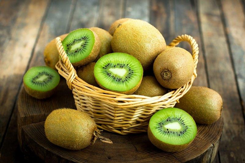 Kiwi là loại trái cây rất nhiều vitamin và được nhiều người ưa chuộng