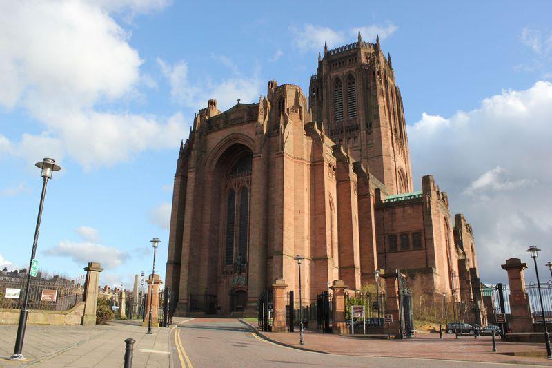Nhà thờ cổ xưa nhất nước Anh