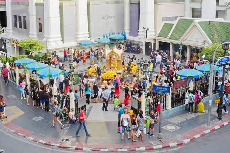 Khuôn viên thờ tự Phật Tứ Diện
