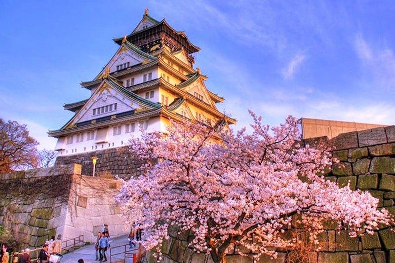 Lâu đài Osaka tráng lệ