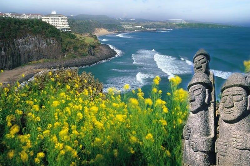 Bí ẩn tượng đá Harubang tại đảo Jeju
