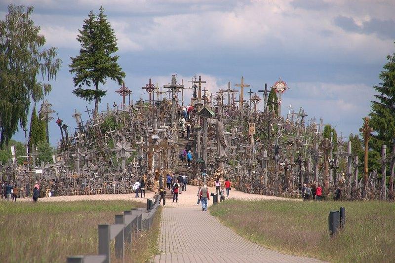 Ngọn đồi với hơn 100.000 cây thánh giá