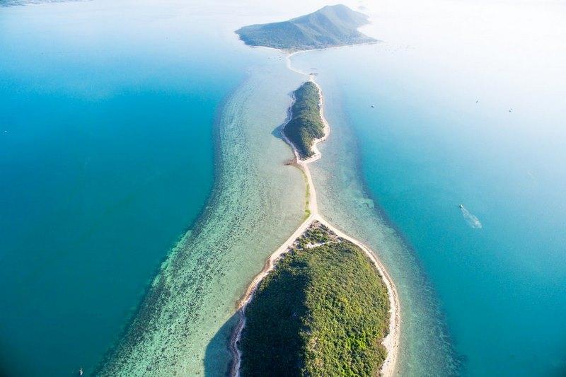 Bấn loạn với 5 con đường giữa biển đẹp nhất Việt Nam