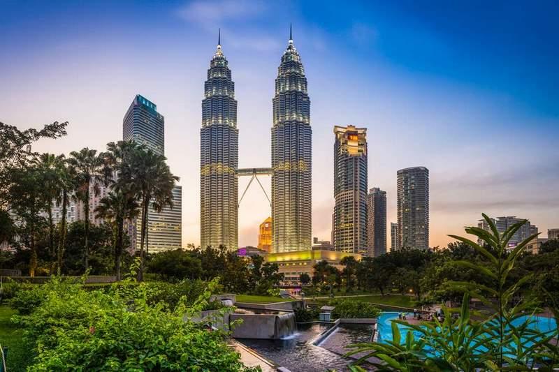Tháp đôi Petronas - Niềm kiêu hãnh của du lịch Kuala Lumpur